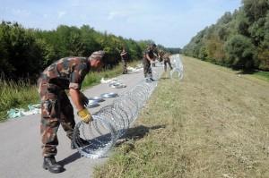 Illegális bevándorlás - Megkezdõdött az ideiglenes mûszaki