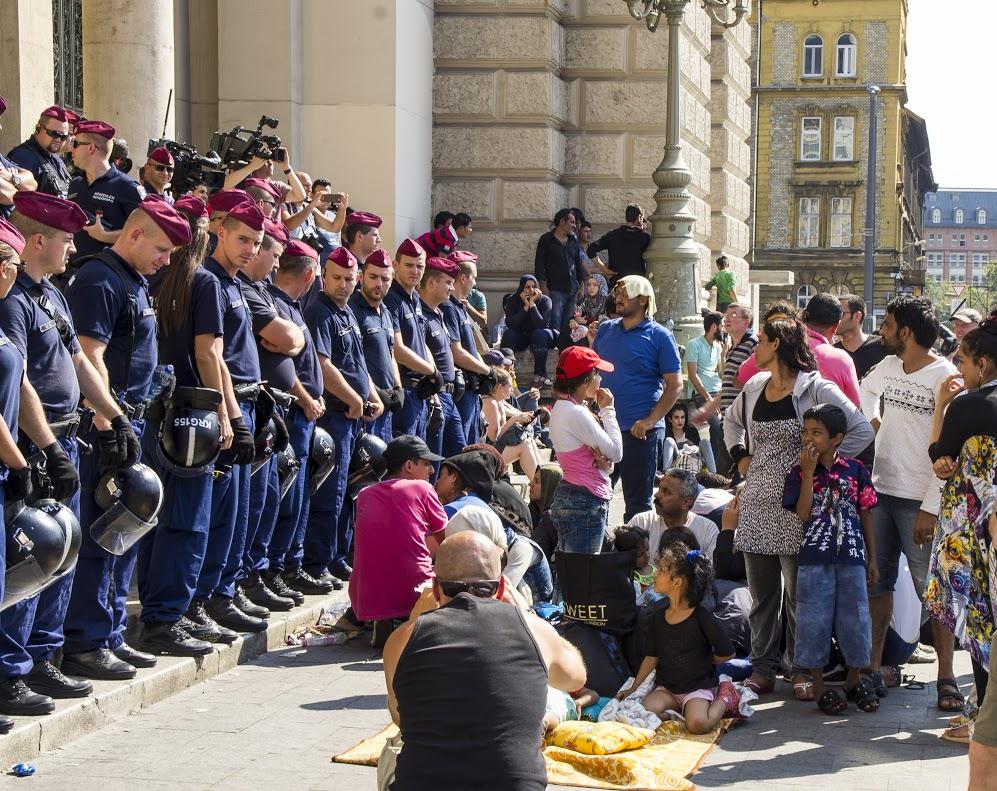 """Képtalálat a következőre: """"keleti pályaudvar migránsok"""""""