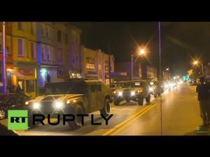 A Nemzeti Gárda HMMWV-jei Baltimore utcáin